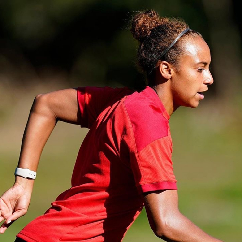 United Women's Soccer UWS Professional Contracts alumnae ellie jean new england mutiny psu PSV Eindhoven