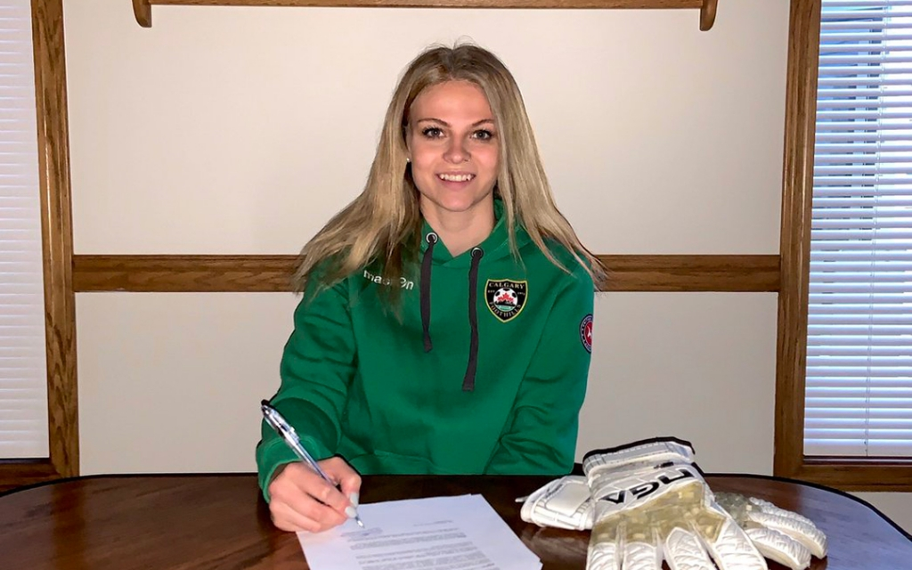 United Women's Soccer UWS Professional Contracts alumnae emily burns calgary foothills wfc racing feminas spain