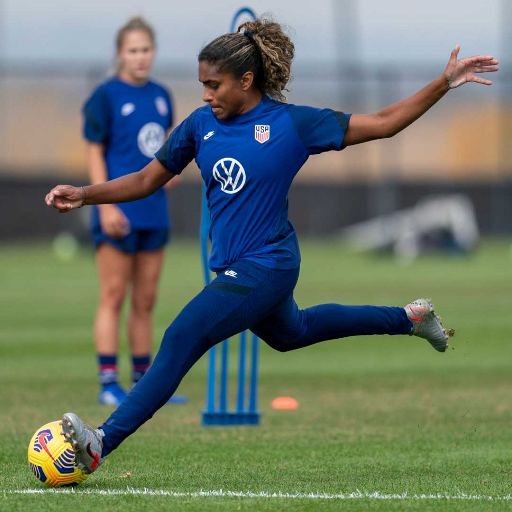 United Women's Soccer UWS national pro-am league USWNT Catarina Macario